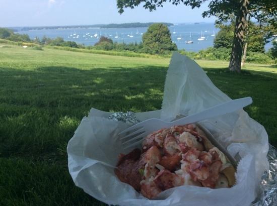 Fishermens Grill: lobster roll sitting on Promenade Park