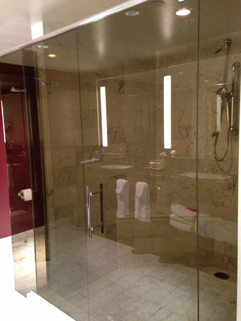 giant dual head shower - Picture of The D Casino Hotel Las Vegas ...