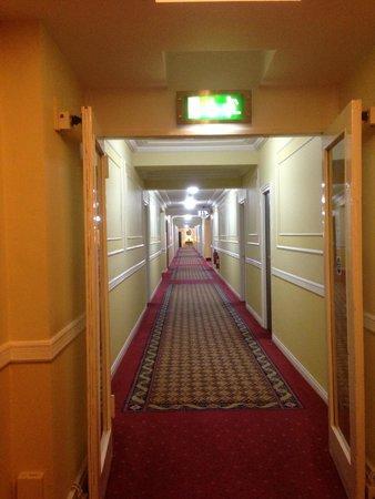 Riu Plaza The Gresham Dublin: Corridor