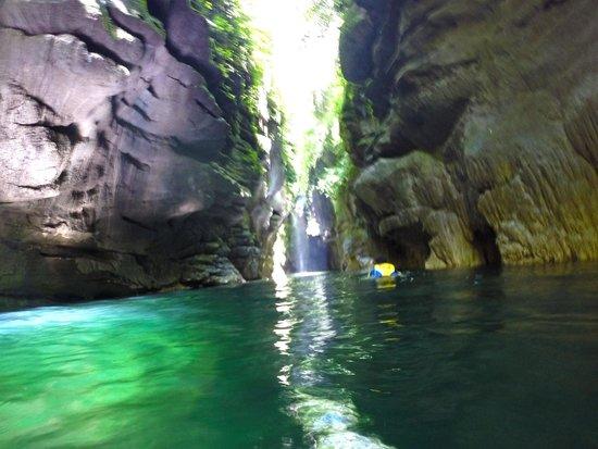 Millenium Cave : Canyon Swim