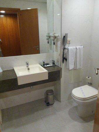 VIP Executive Santa Iria Hotel: toilet
