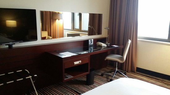 Frankfurt Marriott Hotel: Desk