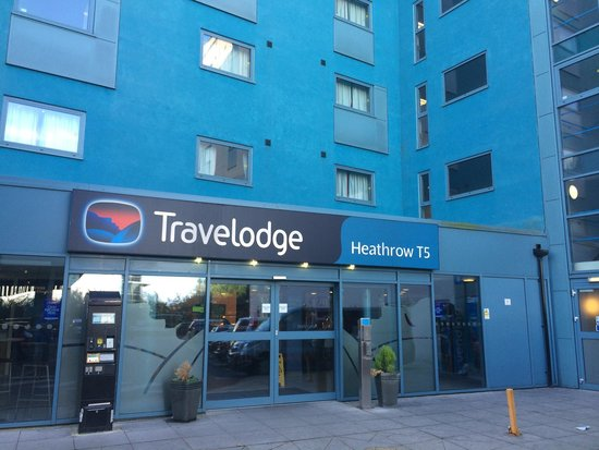 Travelodge Heathrow Terminal 5: Front