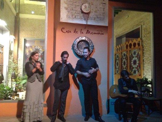 Casa de la Memoria : Belle troupe !!