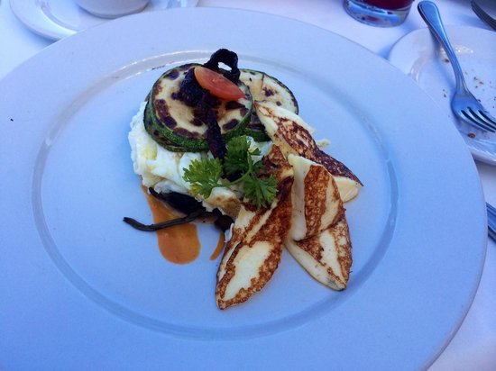 Villa Premiere Boutique Hotel & Romantic Getaway: Scramble eggwhites..instead of goat cheese I requested Panela cheese