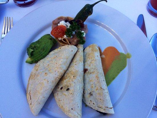 Villa Premiere Boutique Hotel & Romantic Getaway: Trio of quesadillas