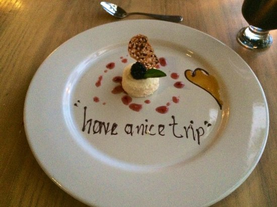 Villa Premiere Boutique Hotel & Romantic Getaway : Our final night dessert..so sweet!!!