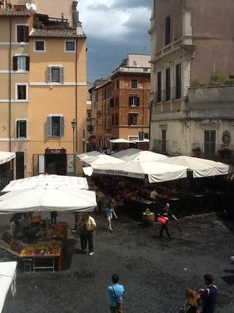 Boutique Hotel Campo de Fiori : outside apartment