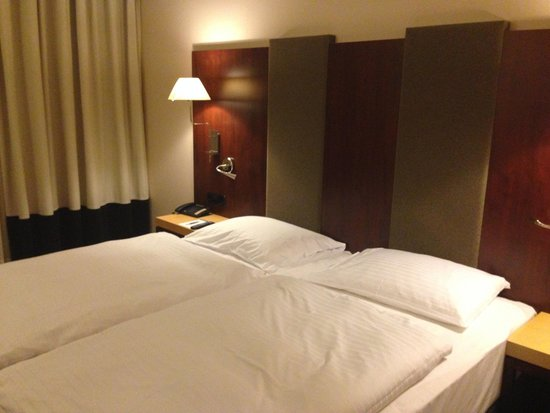 NH Vienna Airport Conference Center: Standard room