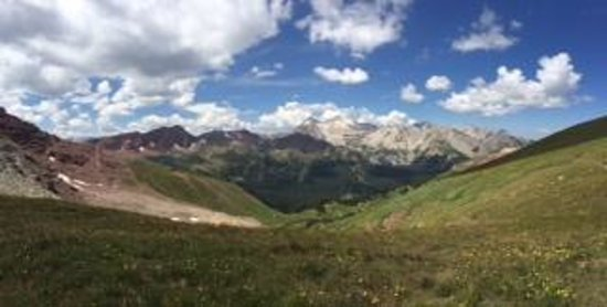 Buckskin Pass: View from summit to North