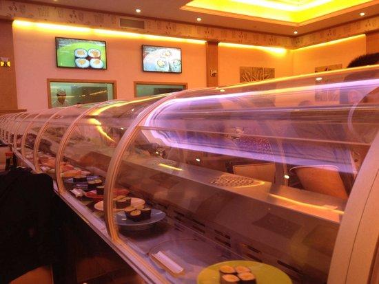 Asia Restaurant : Passage des assiettes