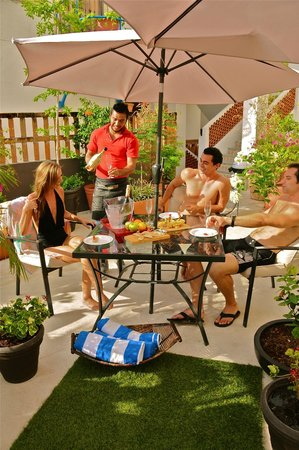 Villa Mercedes Petit Hotel: Roof garden
