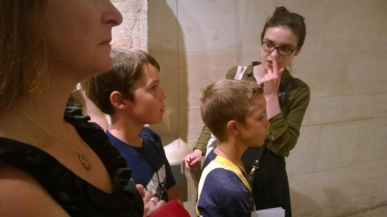 Paris Muse Private Tours: Checking out the Sphinx, what's it made out of?