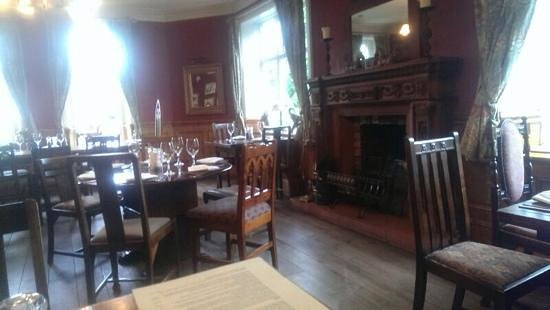 The Royal Oak Hotel: Dining Room