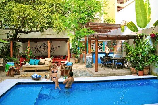 Villa Mercedes Petit Hotel: Pool Area