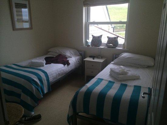 Beachcombers Apartments : Kids' bedroom :)