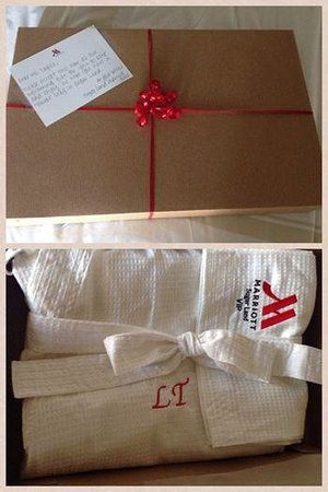Sugar Land Marriott Town Square: Personalized note and Robe