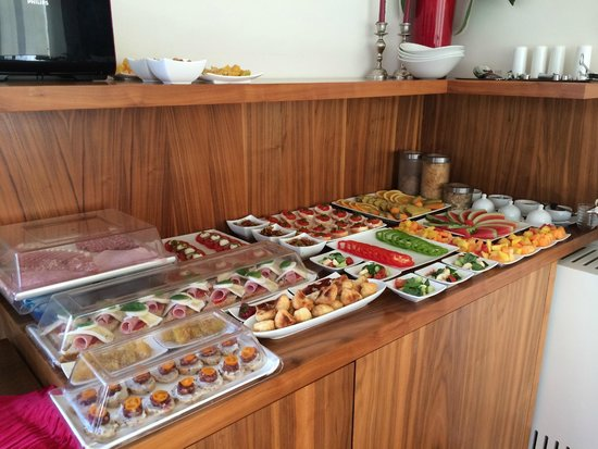 Soncna Hisa Boutique Hotel: Selection of the delicious breakfast