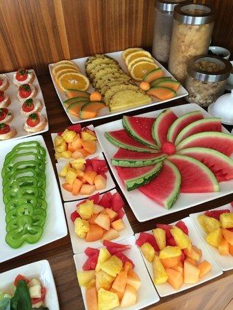 Soncna Hisa Boutique Hotel: Fresh fruit and bites