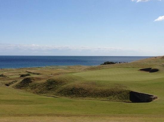 Kingsbarns Golf Links: 18th Green from the clubhouse