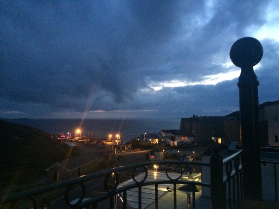 Beachcombers Apartments : View from balcony at night :)