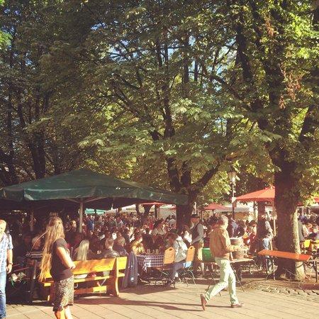 Marienplatz: Summer