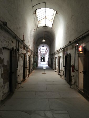 Eastern State Penitentiary : Looking down one of the wings