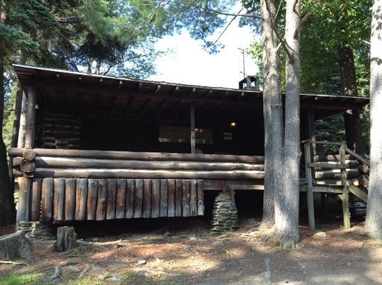 Seneca Lodge: 4 bedroom log cabin