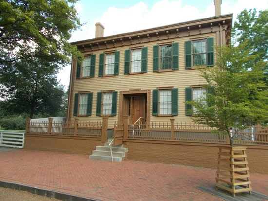 Lincoln Home National Historic Site : A stately home