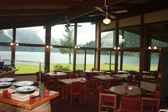 Log cabin resort dining room picture of log cabin resort for Log cabin resorts