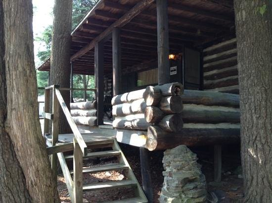 Seneca Lodge: Log cabin porch