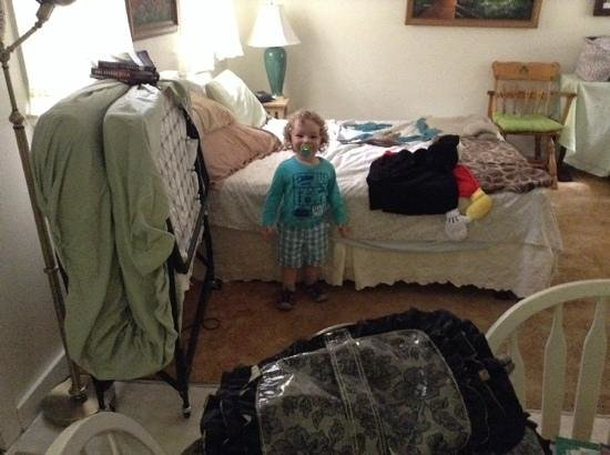 Ridgewood Motel and Cottages: A happy toddler on the Cape! you can see the sleeping space.