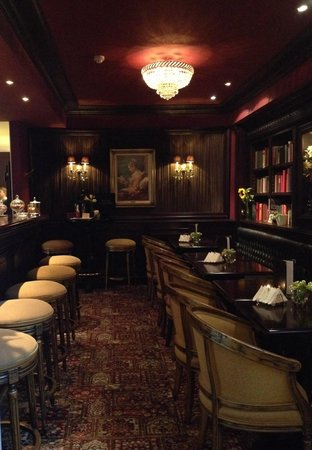 Hotel Heritage - Relais & Chateaux: The bar - try the gin!