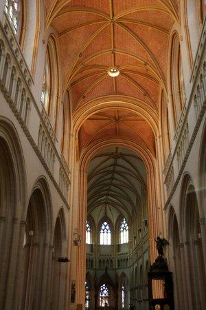 Cathédrale Saint-Corentin : Cathedrale St-Corentin Innenansicht