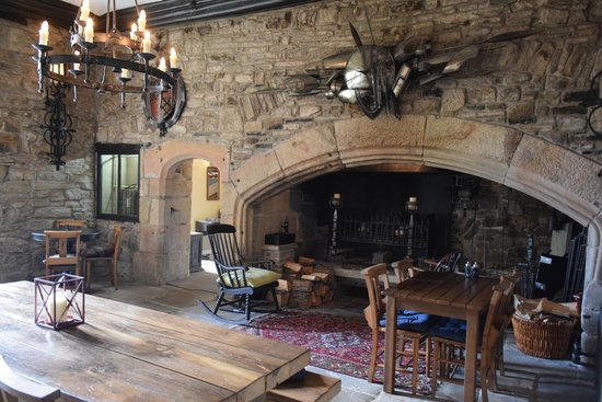 Lord Crewe Arms, Blanchland: The ancient fireplace, they roast food here at certain times of the year