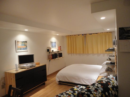 coin tele - Picture of Le Penn-ar-bed, Montreal - TripAdvisor