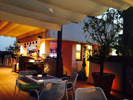 Mercure Rome Colosseum Centre: Le Bar de la terrasse
