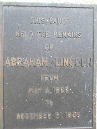 Lincoln Tomb & War Memorials: Receiving vault sign