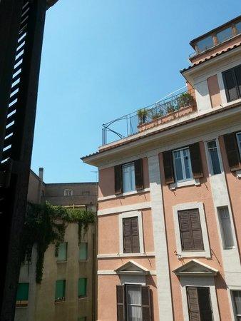 Suites Trastevere : vue de la chambre