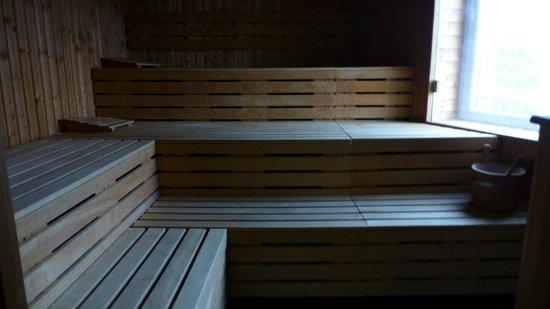 DORMERO Hotel Frankfurt: Fitness center - Wide sauna