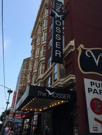 The Mosser: Entrada
