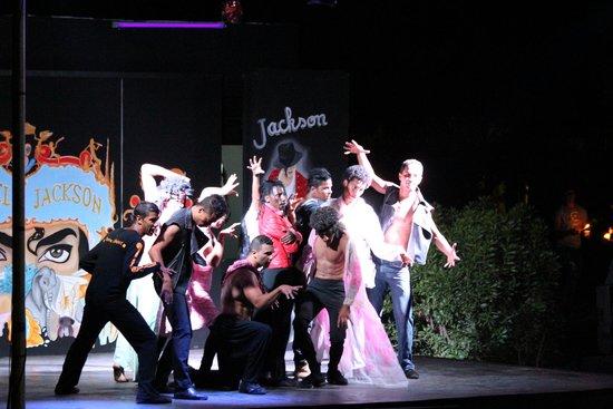 SENTIDO Phenicia : Entertainment