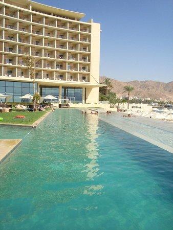 Kempinski Hotel Aqaba Red Sea: Pool/beach