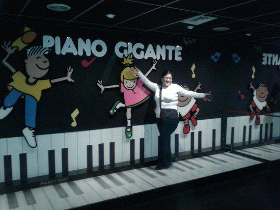 Museo de los Ninos (Children's Museum): Piano gigante
