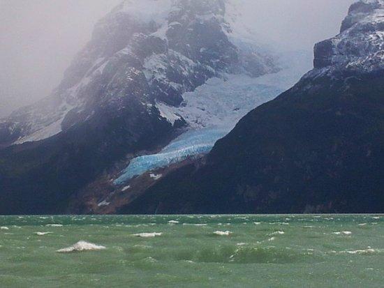 Channel of Last Hope (Ultima Esperanza): Vista de um dos glaciares que se vê nos tours