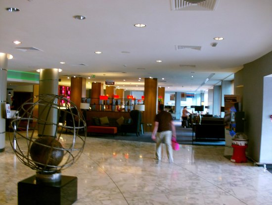 Park Inn by Radisson Hotel & Conference Centre London Heathrow : Reception Area