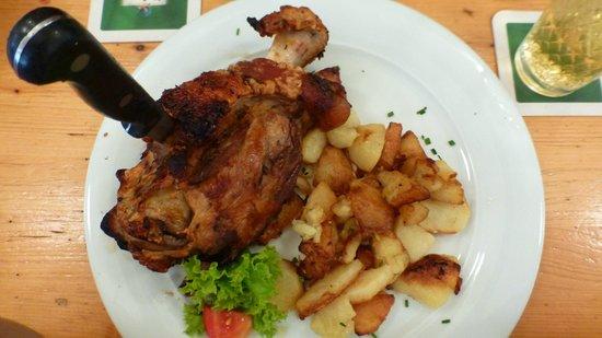 Atschel: Grilled porc