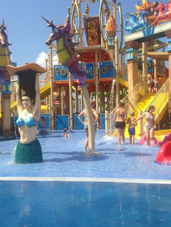 Sol Katmandu Park & Resort: Splash pool