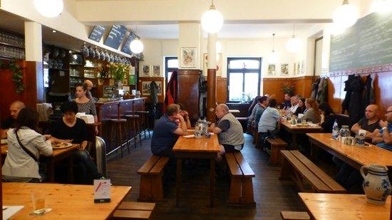 Atschel: Wood and warm atmosphere