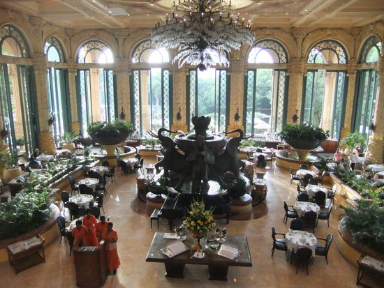 The Palace of the Lost City : The main restaurant (breakfast every morning)